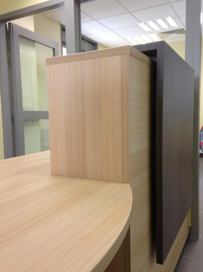 Mobilier de bureaux 06 sud tertiaire cannes mandelieu - Bureau d angle sur mesure ...